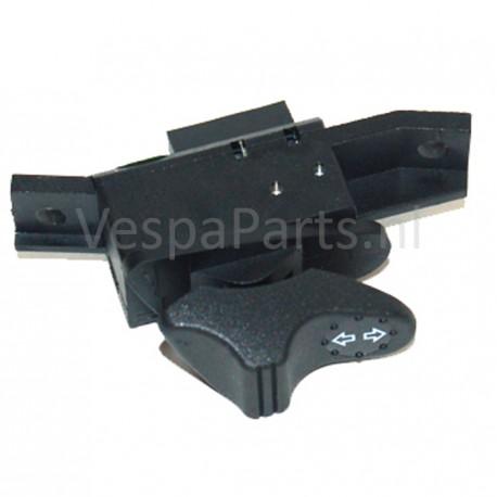 02: Schakelaar richtingaanwjzer Vespa ET2/ET4/LX/S