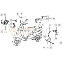 01: Spanningsregelaar Piaggio 8-polig Vespa ET/LX/LXV/S