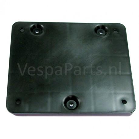 21: Nummerplaathouder Vespa LX/LXV/S