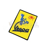 "Plaat nieuw Vespa ""To the sun and beyond"""